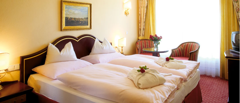 Austria_Obertauern_Hotel-Steiner_Bedroom2.jpg